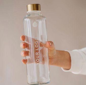 Equa juomapullo yrityksen logolla